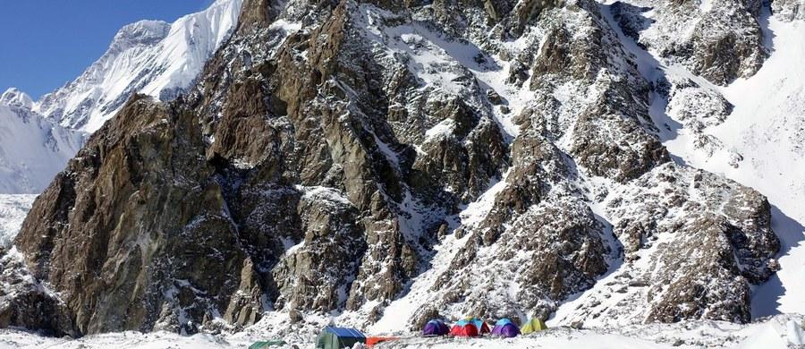 Będzie ciasto i balanga, będzie się działo, jak olimpijski medal wywalczą nasi skoczkowie - mówi kierownik wyprawy na K2 (8611 m) Krzysztof Wielicki, który 38 lat temu wraz z Leszkiem Cichym jako pierwsi zimą weszli na szczyt Everestu (8848 m).