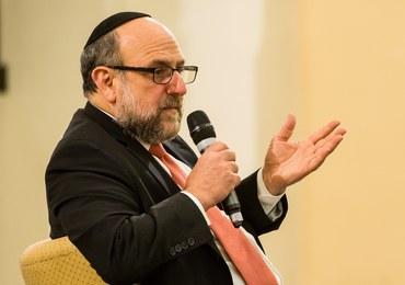Naczelny rabin Polski: Nie można w jednym zdaniu mieszać sprawców niemieckich i żydowskich