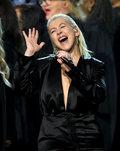 Christina Aguilera nago w wannie. Wygrywa z nadwagą?
