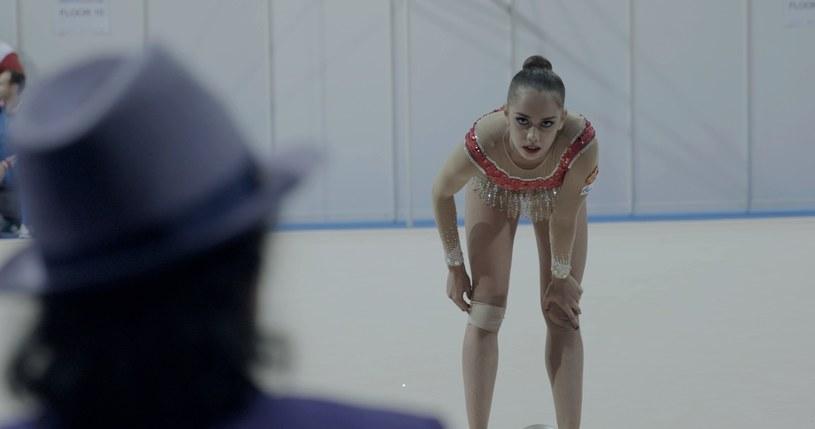 """Film dokumentalny """"Over the Limit"""" w reżyserii Marty Prus - opowieść o rosyjskiej gimnastyczce Margaricie Mamun - będzie mieć polską premierę na 58. Krakowskim Festiwalu Filmowym - poinformowali organizatorzy."""