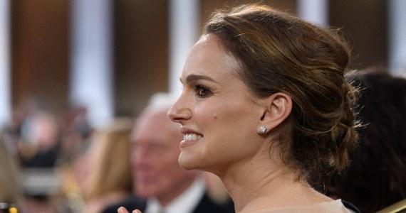 """Natalie Portman - aktorka znana m.in. z takich filmów jak """"Czarny łabędź"""", """"Jackie"""" czy """"Opowieść o miłości i mroku"""" w wywiadzie dla BuzzFeed News przyznała, że żałuje tego, że w 2009 roku podpisała się pod petycją w obronie Romana Polańskiego. Gwiazda aktywnie udziela się w ruchu Time's Up walczącym z molestowaniem seksualnym i dyskryminacją kobiet."""
