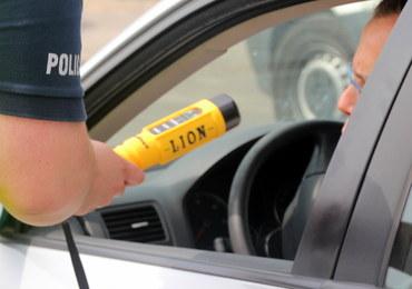 W Niemczech tracą prawo jazdy za jazdę po alkoholu. Przyjeżdżają do Polski po nowe