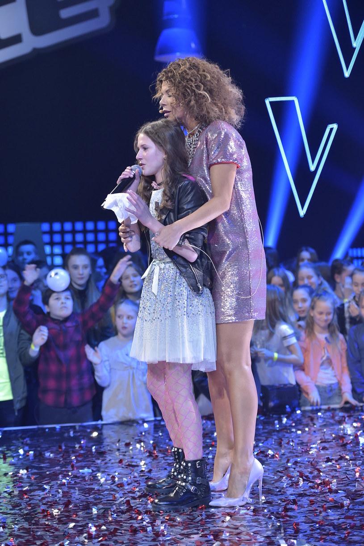 """Pierwszą edycję """"The Voice Kids"""", programu emitowanego w TVP 2, wygrała Roksana Węgiel z drużyny Edyty Górniak."""