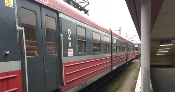 Trudny poranek czeka jutro dojeżdżających do Warszawy pociągami. Z powodu budowy tunelu drogowego zamknięty będzie przejazd kolejowy w Otwocku, a pociągi pojadą tylko po jednym torze.