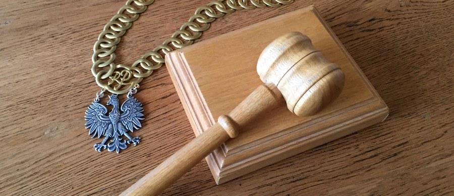 Oblewali się między innymi rosołem, by wyłudzić odszkodowania. W ten sposób uzyskali co najmniej ćwierć miliona złotych. Sąd w Lublinie nie wydał dziś wyroku. W sprawie pojawiły się nowe okoliczności.