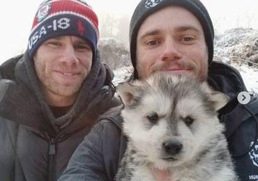 """Olimpijczyk adoptował szczeniaka przeznaczonego na rzeź. """"Psy to przyjaciele, nie jedzenie"""""""