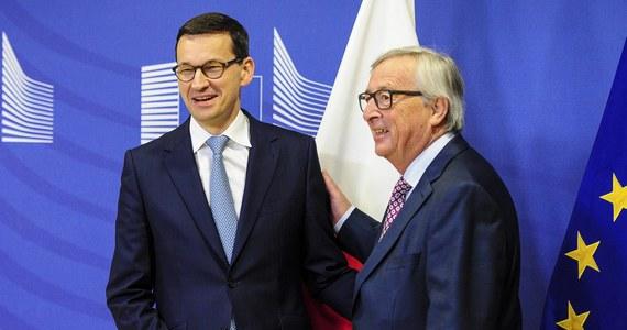Porozumienie na najwyższym szczeblu między premierem Mateuszem Morawieckim a Jean-Claudem Junckerem może nie wystarczyć, jeżeli nie będzie porozumienia na niższym szczeblu. A dokładnie - dialog Polski z Timmermansem i krajami UE jest trudniejszy niż z szefem KE Junckerem.
