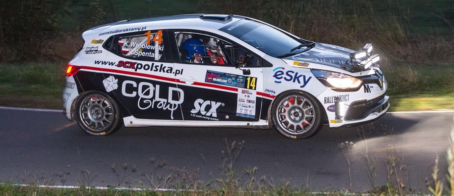 Kacper Wróblewski wraca do rywalizacji w Rajdowych Samochodowych Mistrzostwach Polski. Młody kierowca jeżdżący w barwach RMF FM zaprezentuje się już w kwietniu podczas Rajdu Świdnickiego. Wróblewski będzie jeździł Peugeotem 208 R2 ze stajni RallyTechnology.