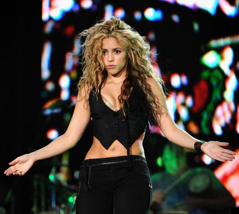 Kolumbijska wokalistka Shakira zapłaciła urzędowi skarbowemu 25 milionów dolarów po tym, jak oskarżono ją o uchylanie się od płacenia podatków.