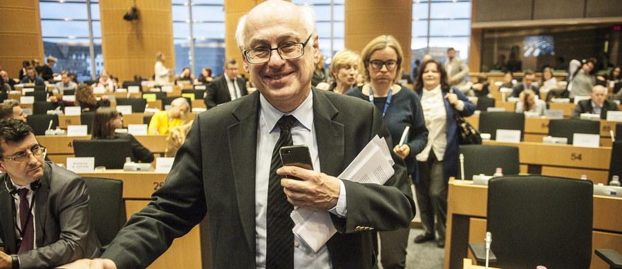 Zdzisław Krasnodębski i estoński eurodeputowany z Grupy Zielonych Indrek Tarand to dwaj oficjalni kandydaci na stanowisko wiceprzewodniczącego Parlamentu Europejskiego po odwołanym Ryszardzie Czarneckim. Głosowanie odbędzie się w czwartek.