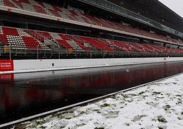 """Śnieg utrudnia testy F1. """"Nie ma sensu podejmować ryzyka"""""""