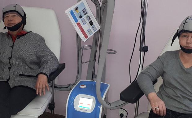 Niecodzienna i wzruszająca historia z Gdyni. Anonimowy darczyńca przekazał na oddział onkologiczny tamtejszego szpitala wart ponad 100 tysięcy złotych sprzęt. To tak zwany czepiec chłodzący, służący do minimalizowania wypadania włosów podczas stosowania chemioterapii. W Polsce było do tej pory tylko 12 takich urządzeń.