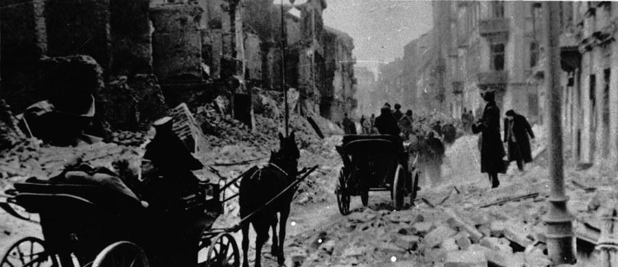 W czwartek o godz. 13 w Sejmie odbędzie się pierwsze publiczne posiedzenie parlamentarnego zespołu ds. oszacowania wysokości odszkodowań należnych Polsce od Niemiec za szkody wyrządzone w trakcie II wojny światowej. Poinformował o tym szef zespołu Arkadiusz Mularczyk (PiS).