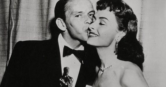 Zwycięzców tegorocznych Oscarów poznamy już 5 marca. Nagrody Amerykańskiej Akademii Filmowej zostaną rozdane już po raz 90. Z okazji tej okrągłej rocznicy wspominamy pierwszych laureatów i przełomowe wyróżnienia.