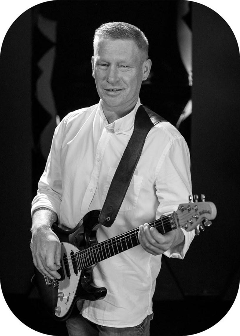 Zmarł Robert Jabłonowski, gitarzysta i jeden z wokalistów discopolowej grupy WML Dance.