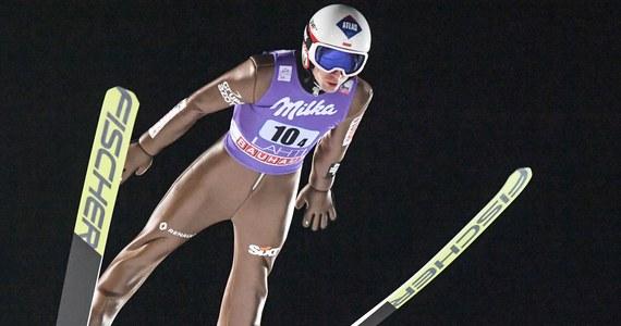 Polska zajęła drugie miejsce w drużynowym konkursie Pucharu Świata w skokach narciarskich w Lahti. Zwyciężyli Niemcy. Zaskakująco na fińskiej skoczni nie poradzili sobie Norwegowie, którzy dopiero po ostatniej serii stanęli na najniższym stopniu podium.