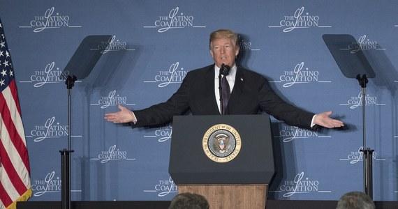 """Prezydent USA Donald Trump wywiera naciski na personel Białego Domu, aby wprowadzić odwetowe cła na stal i aluminium jeszcze w tym tygodniu, prawdopodobnie już w czwartek - poinformował w środę dziennik """"Wall Street Journal"""" w swoim portalu."""