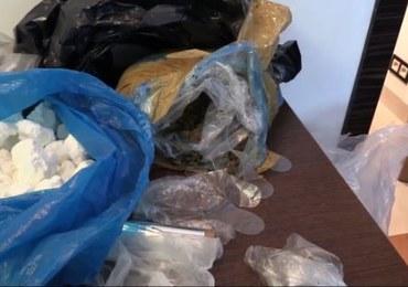 Stołeczni policjanci zatrzymali 4 osoby podejrzane o handel narkotykami