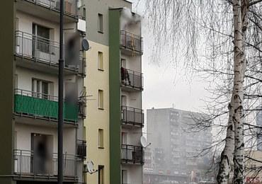 Tragedia w Rudzie Śląskiej. Pożar w bloku, lokator powieszony na balkonie