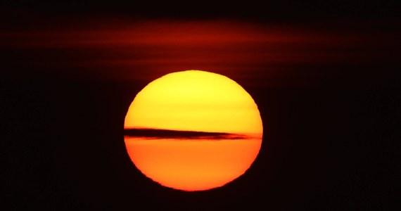 Trzynaście miast na całym świecie ma odnotować podwyższenie temperatury o ponad dwa stopnie w ciągu najbliższej dekady - wynika z najnowszego raportu opublikowanego przez instytut badawczy Urban Climate Change Research Network. Według dokumentu, z ponad 100 miast objętych badaniem największy skok temperatury grozi Moskwie.