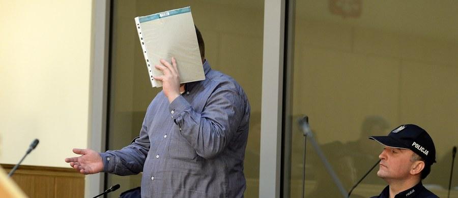 Na dożywotnie więzienie skazał Sąd Okręgowy w Radomiu 30-letniego mężczyznę, oskarżonego o zabójstwa na tle seksualnym dwóch młodych kobiet poznanych przez internet. Wyrok nie jest prawomocny.