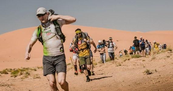 Piątek był drugim dniem emocjonujących zmagań w Runmageddon Sahara. Zawodnicy przenieśli się na piaszczyste tereny marokańskiej pustyni, co niektórym dało się we znaki. Tym bardziej, że termometry pokazywały jeszcze wyższą temperaturę, niż pierwszego dnia rywalizacji.