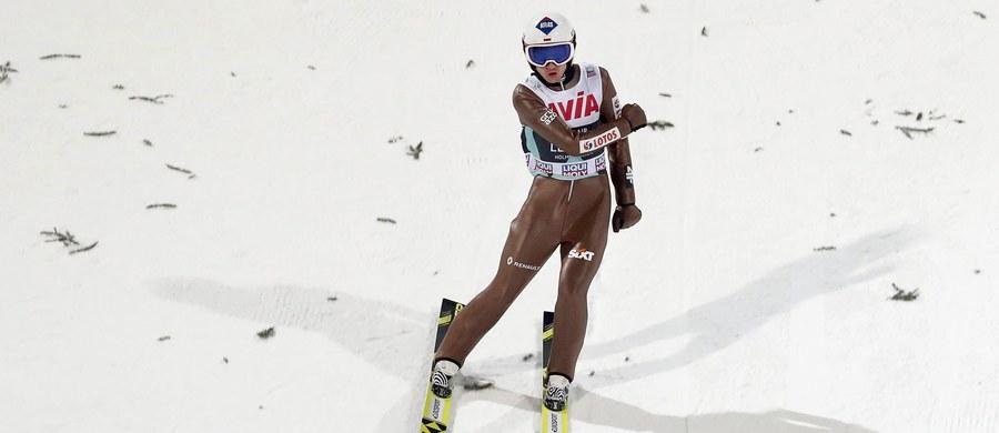 Kamil Stoch zajął szóste miejsce w konkursie Pucharu Świata w skokach narciarskich w Oslo. Zwyciężył Norweg Daniel Andre Tande, wyprzedzając Austriaków Stefana Krafta i Michaela Hayboecka.
