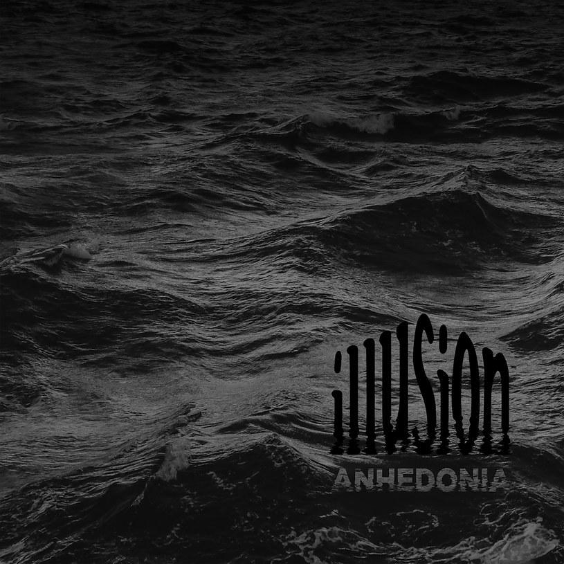 Aż dziwne, że muzycy Illusion wybrali właśnie anhedonię, czyli niezdolność do odczuwania emocji, na tytuł swojego najnowszego albumu. W końcu ten aż kipi od emocji i zaraża swoją nieposkromioną energią, nawet jeżeli na próżno szukać w nim światła.