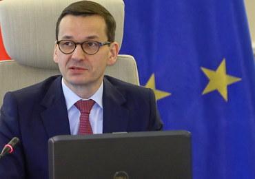 """Nagrody dla ministrów wypłacone """"przez pomyłkę""""? Morawiecki kazał je oddać"""