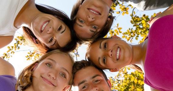 Finlandia jest najszczęśliwszym krajem świata - wynika z opublikowanego w środę raportu World Happiness Report 2018. Polska awansowała na 42. miejsce z 46. w ubiegłorocznej edycji, wyprzedzając m.in Włochy i Japonię. Najmniej szczęśliwi są mieszkańcy Burundi