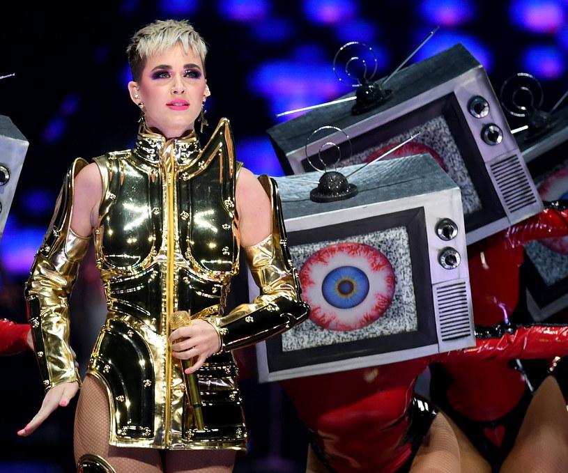 """Benjamin Glaze, którego na castingu do """"American Idol"""" pocałowała Katy Perry, skomentował zdarzenie."""