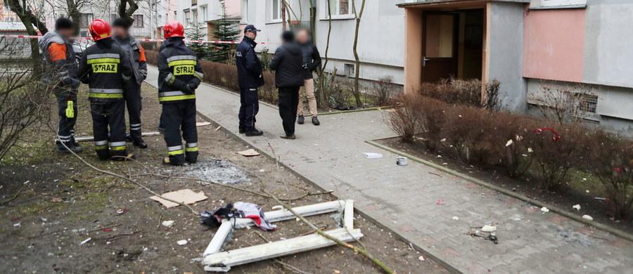 Łódzka prokuratura nie wyklucza, że wybuch gazu, do którego doszło dziś w jednym z mieszkań w Łodzi, to była próba samobójstwa. W lokalu mieszkała 34–latka.