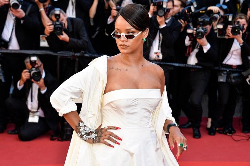 Rihanna w zdecydowanym poście na Instagramie nie przyjęła przeprosin od firmy Snapchat, która w swojej reklamie naśmiewała się z pobicia wokalistki przez jej byłego chłopaka, Chrisa Browna.