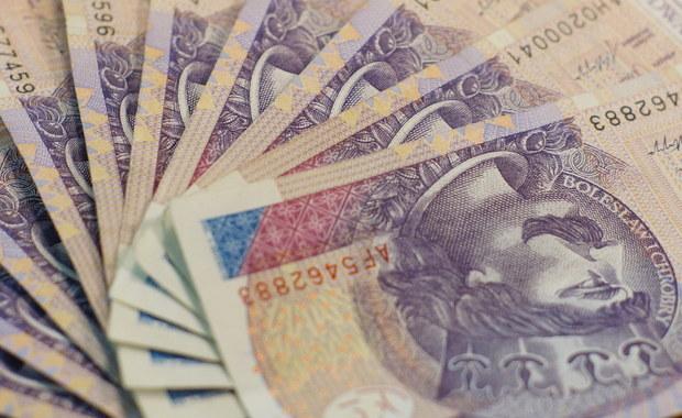 11 mln złotych podatku VAT wyłudził przedsiębiorca z Częstochowy. W sprawie oskarżonych zostało 6 osób, w tym obywatelka Wietnamu. Prokuratura w Częstochowie właśnie zakończyła śledztwo w tej sprawie.