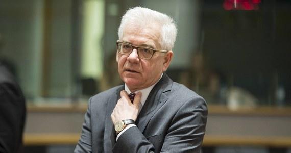 """Szef polskiej dyplomacji Jacek Czaputowicz powiedział, że oświadczenie szefów dyplomacji UE w sprawie Rosji w kontekście próby zabójstwa Skripalów """"oddaje nasze oczekiwania i jest bardzo zdecydowane"""". Przypomnijmy, że jak donosiła wcześniej korespondentka RMF FM, oświadczenie jest tylko wyrazem unijnej solidarności z Wielką Brytanią, nie ma w nim zapowiedzi sankcji, a nawet brakuje jednoznacznego stwierdzenia rosyjskiej odpowiedzialności."""
