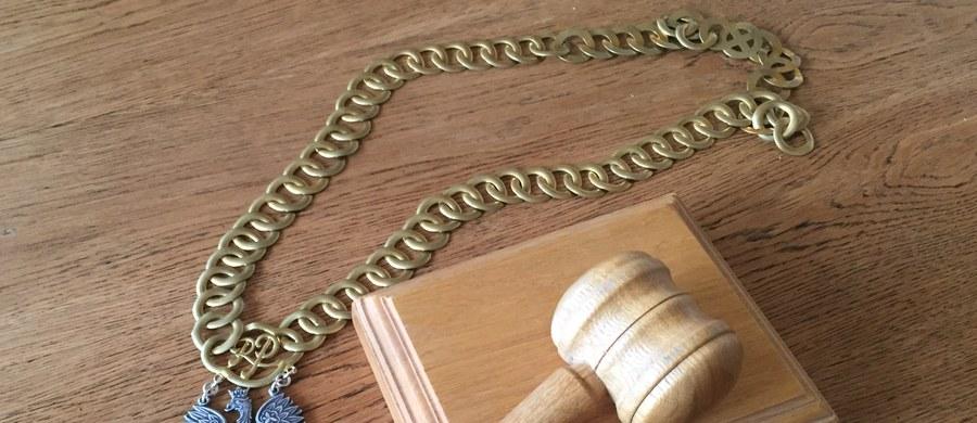 Matka okaleczonej 12-latki z Zamościa usłyszała zarzuty usiłowania zabójstwa i gwałtu. Kobiecie może grozić dożywocie.