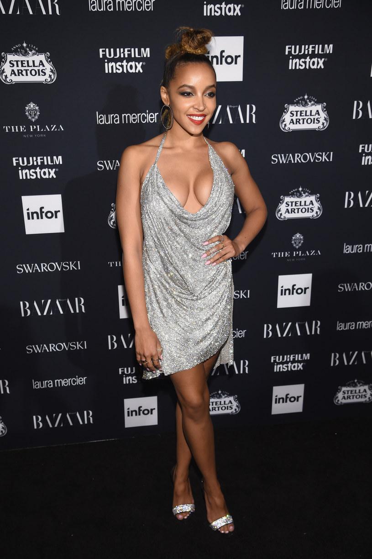 """Wokalistka Tinashe ujawniła okładkę swojej długo wyczekiwanej płyty """"Joyride"""" oraz podała dokładną datę premiery albumu."""