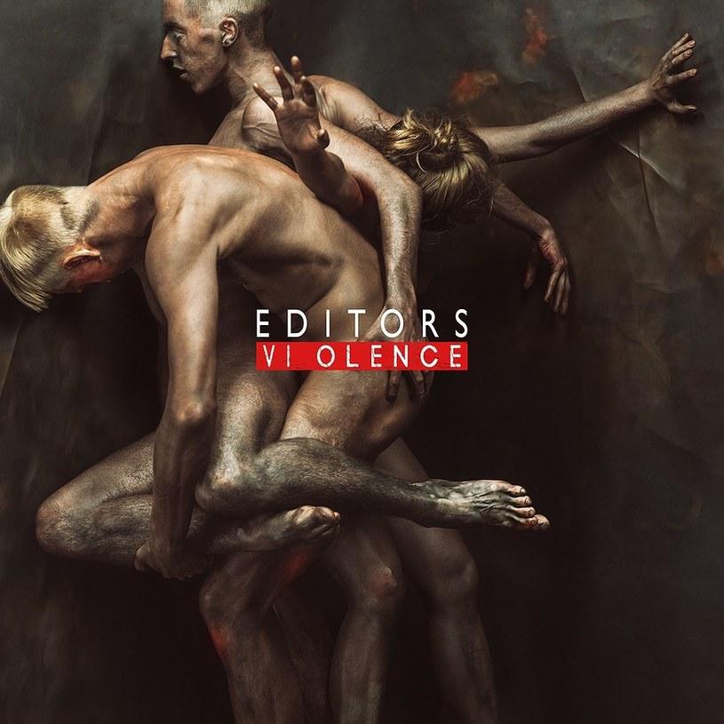 """Szósty album Editors brzmi dość eklektycznie, jak na ich dotychczasowe standardy. """"Violence"""" nosi w sobie wiele barw, w większości ciemnawych, mętnych, niejednolitych i kompozycji czasem lekko przekombinowanych."""