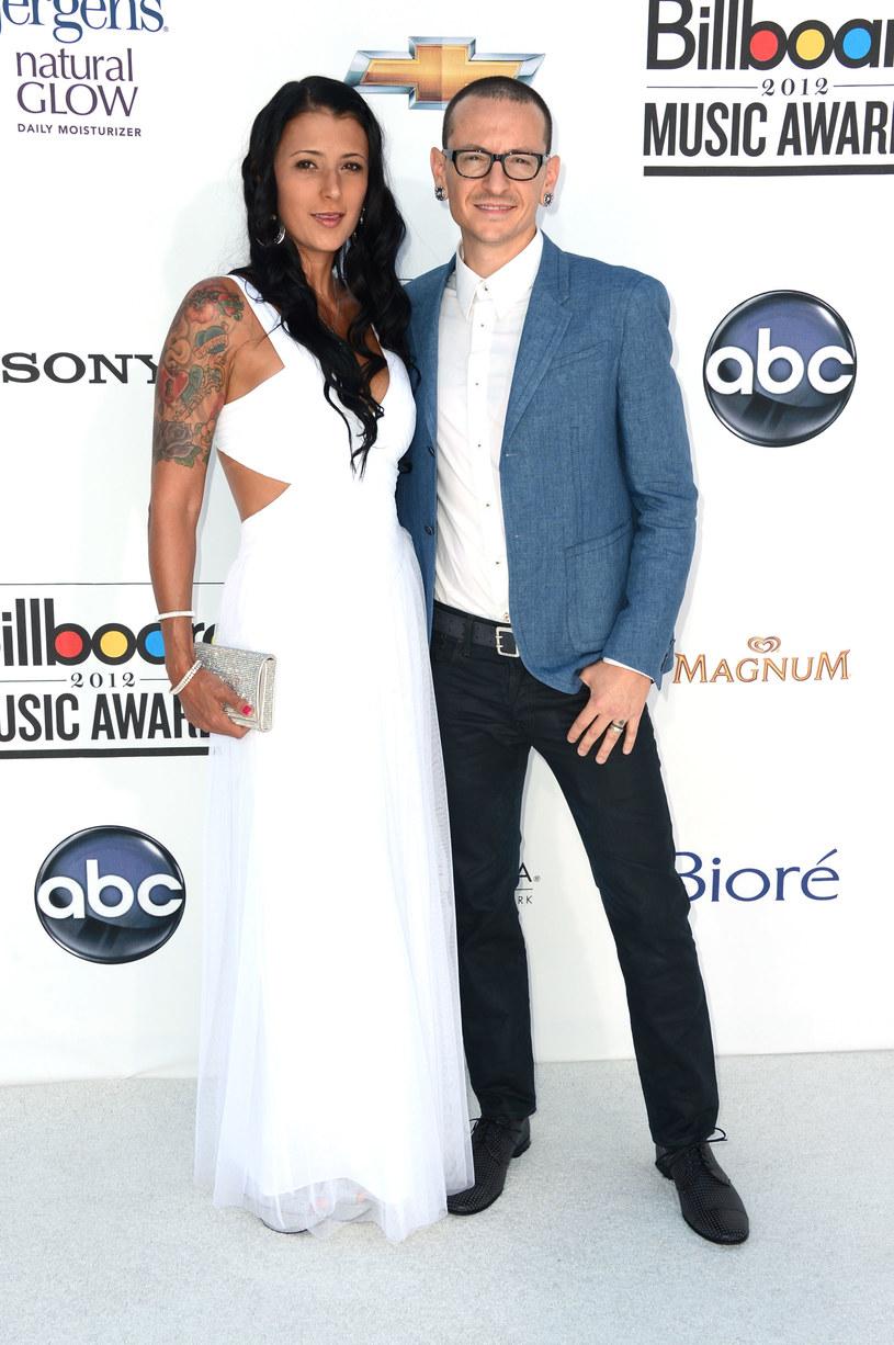 Wdowa po wokaliście Linkin Park, Talinda Bennigton, przyznała, że istniały różne przesłanki świadczące o tym, że jej mąż Chester Bennington, będzie chciał popełnić samobójstwo.