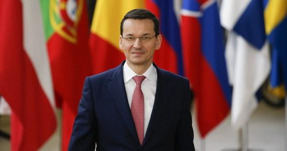 """Potrzebujemy Europy mocniejszej, inteligentnej i solidarnej - mówił w Brukseli premier Mateusz Morawiecki. Ocenił, że odpowiedzią na współczesne wyzwania nie może być jedynie hasło """"więcej Europy"""", zaś wśród obywateli UE narasta eurosceptycyzm."""