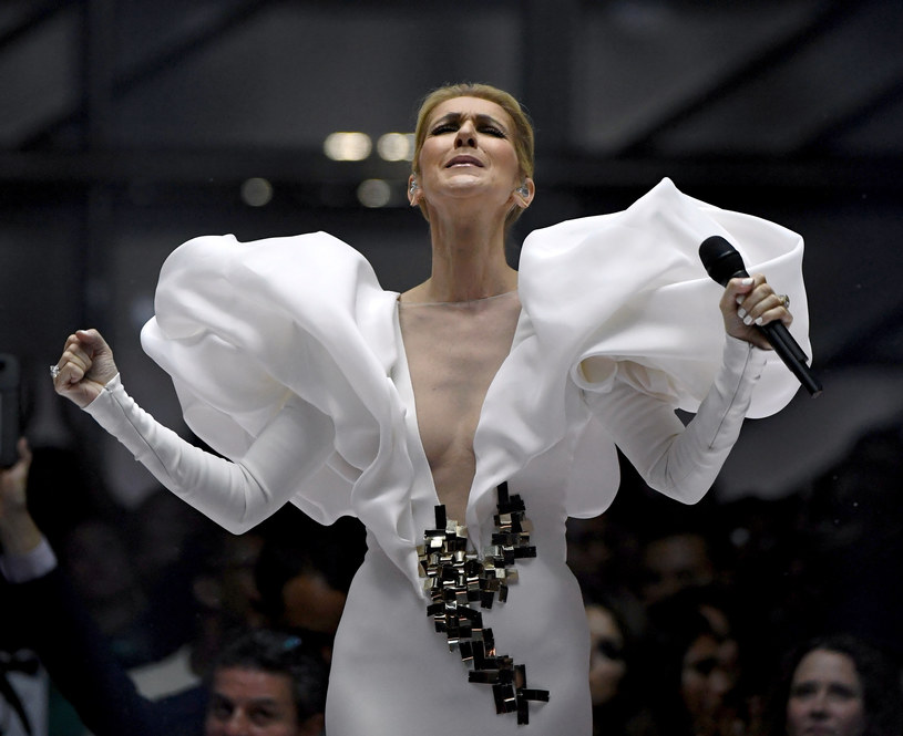 Wszystkie występy Celine Dion w Las Vegas od 27 marca do 18 kwietnia zostały odwołane. Powodem są kłopoty ze słuchem.