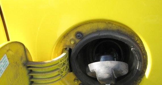 Przed Wielkanocą szykują się podwyżki cen na stacjach benzynowych. To efekt coraz szybciej drożejącej ropy na światowych rynkach.