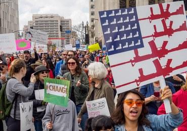"""Młodzi Amerykanie protestują przeciw masakrom. """"Dzięki wam znów jestem dumny z mojego kraju"""""""