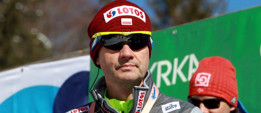 Austriacki trener kadry skoczków narciarskich Stefan Horngacher przedłużył o rok kontrakt z Polskim Związkiem Narciarskim - poinformował jego prezes Apoloniusz Tajner.