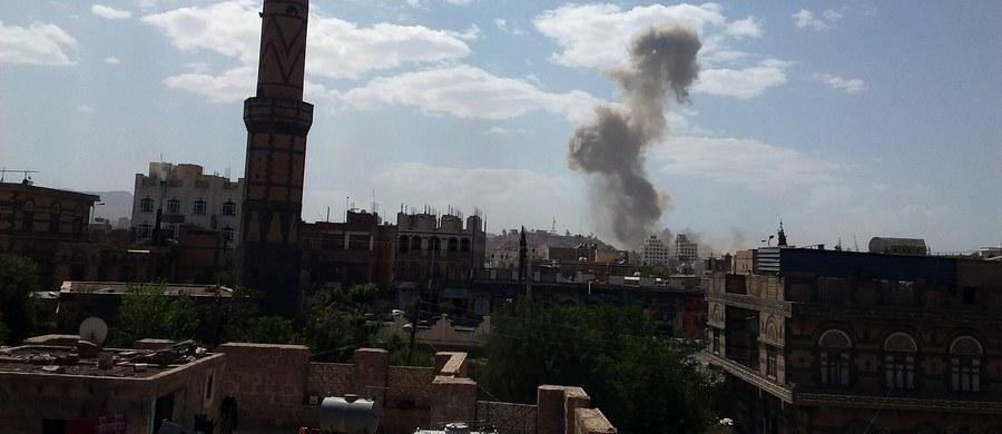 Strony konfliktu w Jemenie i ich zagraniczni sojusznicy muszą przestać blokować dostęp pomocy humanitarnej - powiedział w niedzielę Geert Cappelaere dyrektor Funduszu Narodów Zjednoczonych Pomocy Dzieciom (UNICEF) ds. Bliskiego Wschodu i Afryki Północnej.