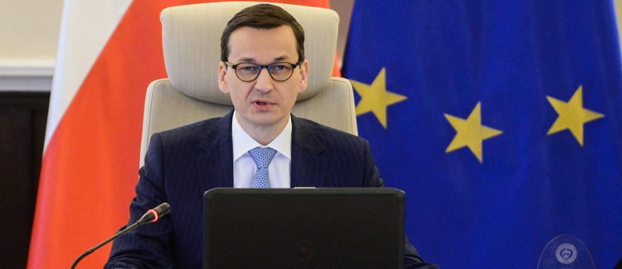 Pierwsze systemy przeciwlotnicze i przeciwrakietowe Patriot trafią do Polski w 2022, a kolejne w 2024 roku - poinformował w wywiadzie w TVP Info premier Mateusz Morawiecki. Podkreślił, że umowa, jaka zostanie w tej sprawie podpisana jutro, jest bardzo dobrze wynegocjowana.