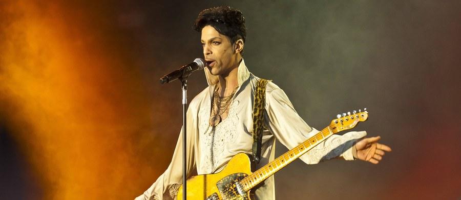 Agencja Associated Press dotarła do wyników toksykologii Prince'a. Okazało się, że w momencie śmierci miał ekstremalnie wysoki poziom fentanylu w organizmie. Jest to silnie działający środek przeciwbólowy.
