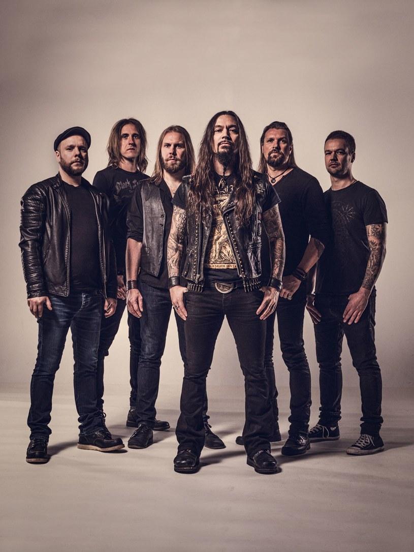 """Finowie z Amorphis podzielili się z fanami nową kompozycją """"The Bee""""."""