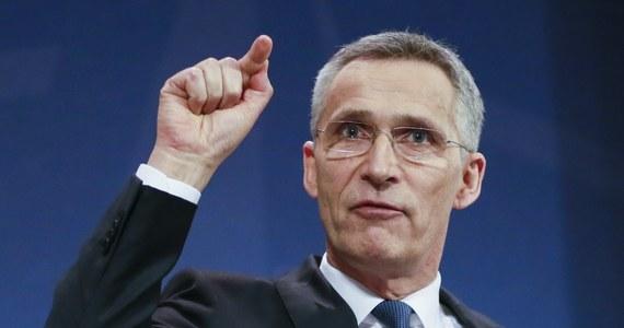 Sekretarz generalny NATO Jens Stoltenberg ogłosił, że wycofał akredytacje dla 7 dyplomatów rosyjskiego przedstawicielstwa przy Sojuszu w reakcji na atak w brytyjskim Salisbury. NATO ograniczy również liczebność rosyjskiego przedstawicielstwa o 1/3, do 20 osób.