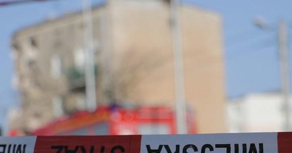 Tomasz J., który może stać za wybuchem kamienicy w Poznaniu, ma już status zatrzymanego. Lekarze ostatecznie rozwiali wątpliwości – mężczyzna może zostać przesłuchany. Zielone światło ze strony szpitala przy Szwajcarskiej w Poznaniu, gdzie przebywa mężczyzna, poprzedził cały szereg badań.